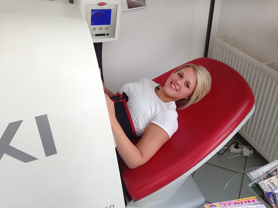 Nicole in the HYPOXI L250